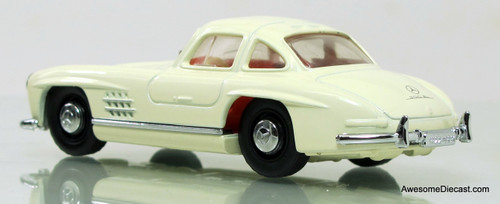 Matchbox Dinky 1:43 1955 Mercedes-Benz 300SL Gullwing