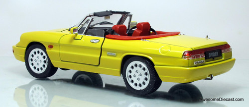 Jouef Evolution 1:18 Alfa Romeo Giallo Spyder