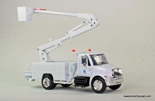 New Ray 1:43 International Bucket Truck: Florida Power & Light