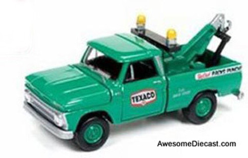 Johnny Lightning 1:64 1965 Chevrolet Tow Truck: Texaco