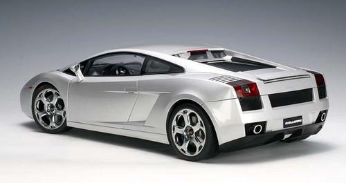 AutoArt 1:12 2004 Lamborghini Gallardo