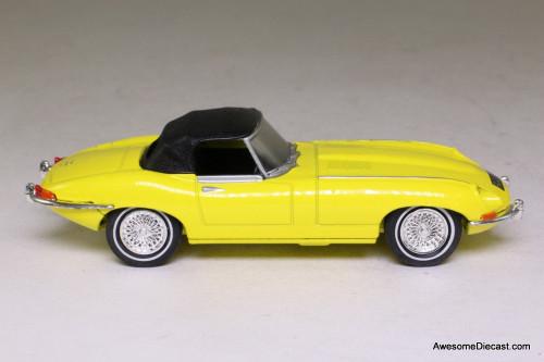 Dinky 1:43 1967 Jaguar E Type MK 1 1/2