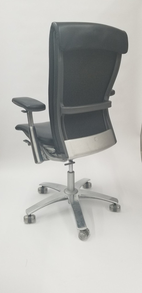 Knoll Life Chair Black Leather with 4 Way Arms Fully Adjustable Model