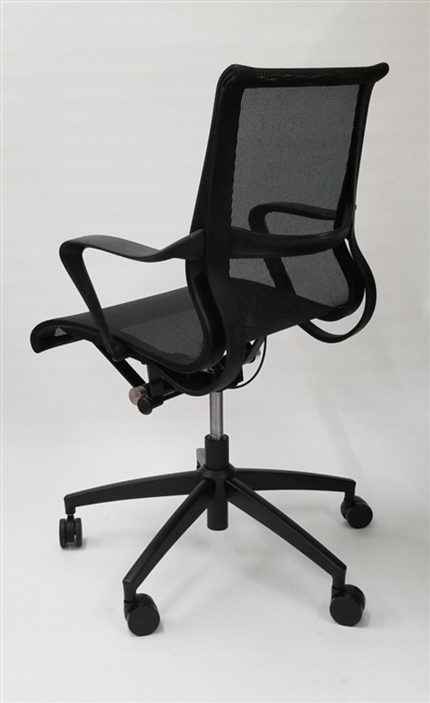 Conference Setu Style Mid Back Task Chair In Black