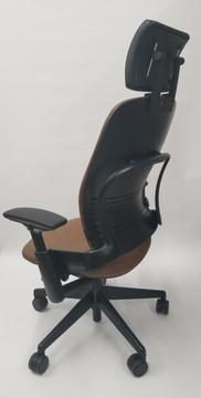 Steelcase Leap Chair V2 In Brown Leather With Headrest