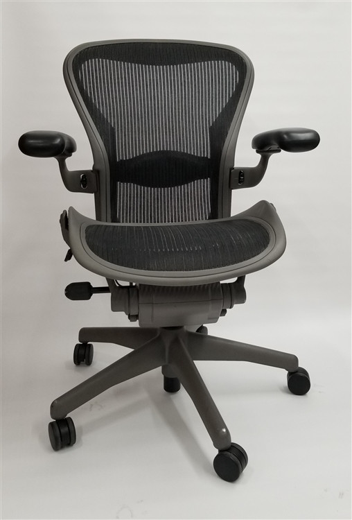 Herman Miller Aeron Chair Size B Fully Featured Gray Frame Black Mesh