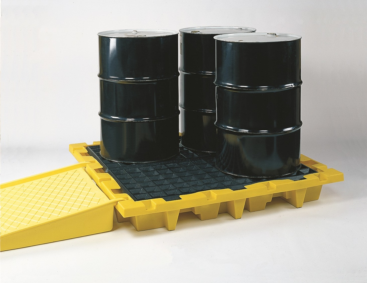 Eagle 1646 Spill Containment Pallet - Nestable - 4 Drum