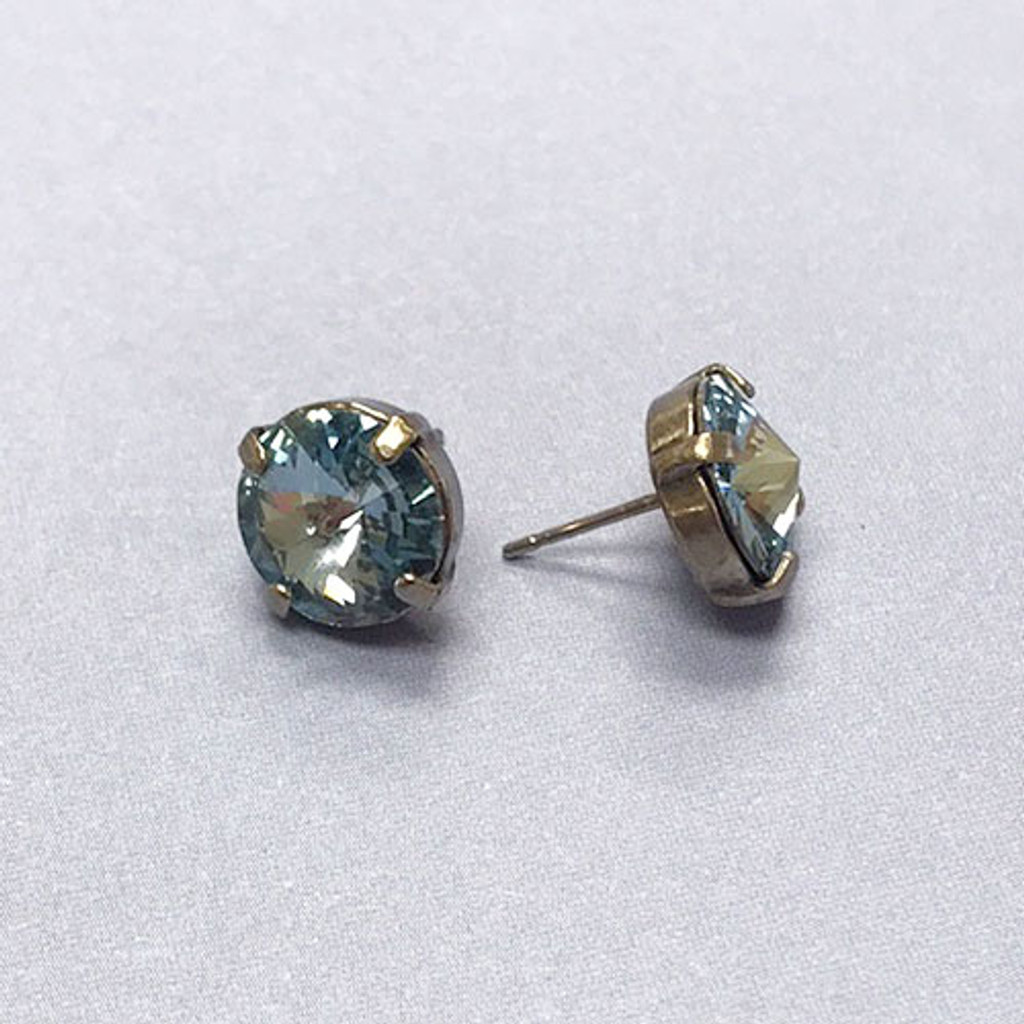 Sorrelli's Blue Pebble Solitaire Stud