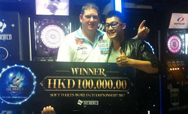 Ray Carver with Prize Money at Stage 8 of The World Soft Dart Championship