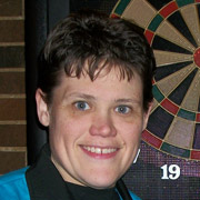 Pro Darter Sarah Simoens, Dart Brokers sponsoree