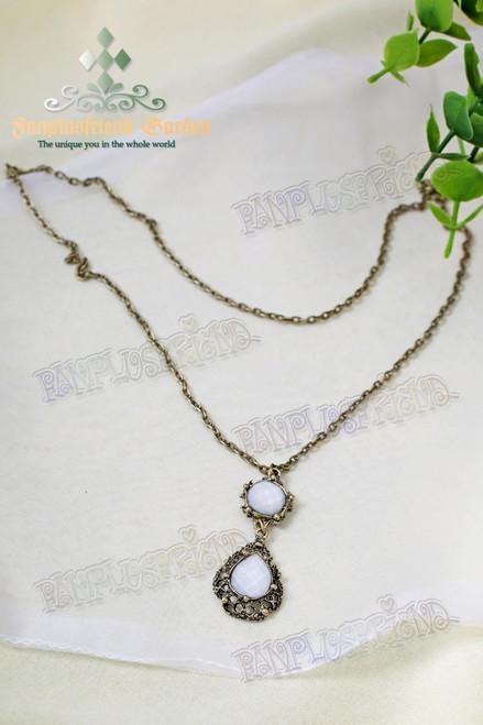Gothic Elegant White Jewel Necklace