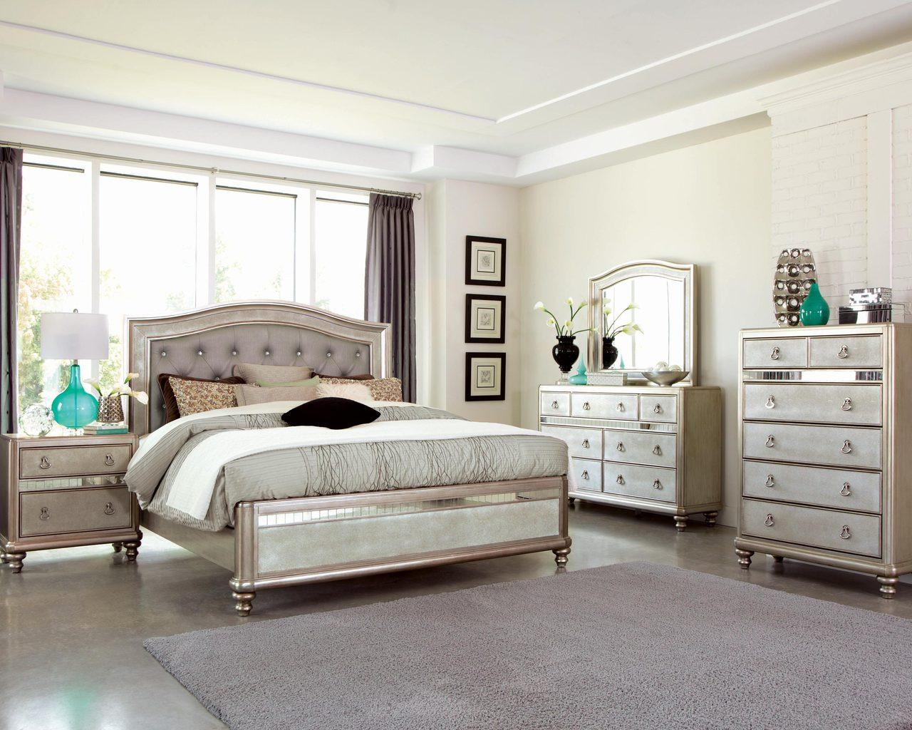 Coaster Starstruck Collection 5 Piece Bedroom Set In Platinum