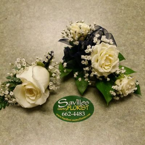 Corsage Bout White Sweetheart Rose Combo