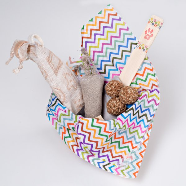 Gift basket of organic cat toys natural cat toys made with love in easter spring gift basket for cats filled with organic natural cat toys made in negle Images