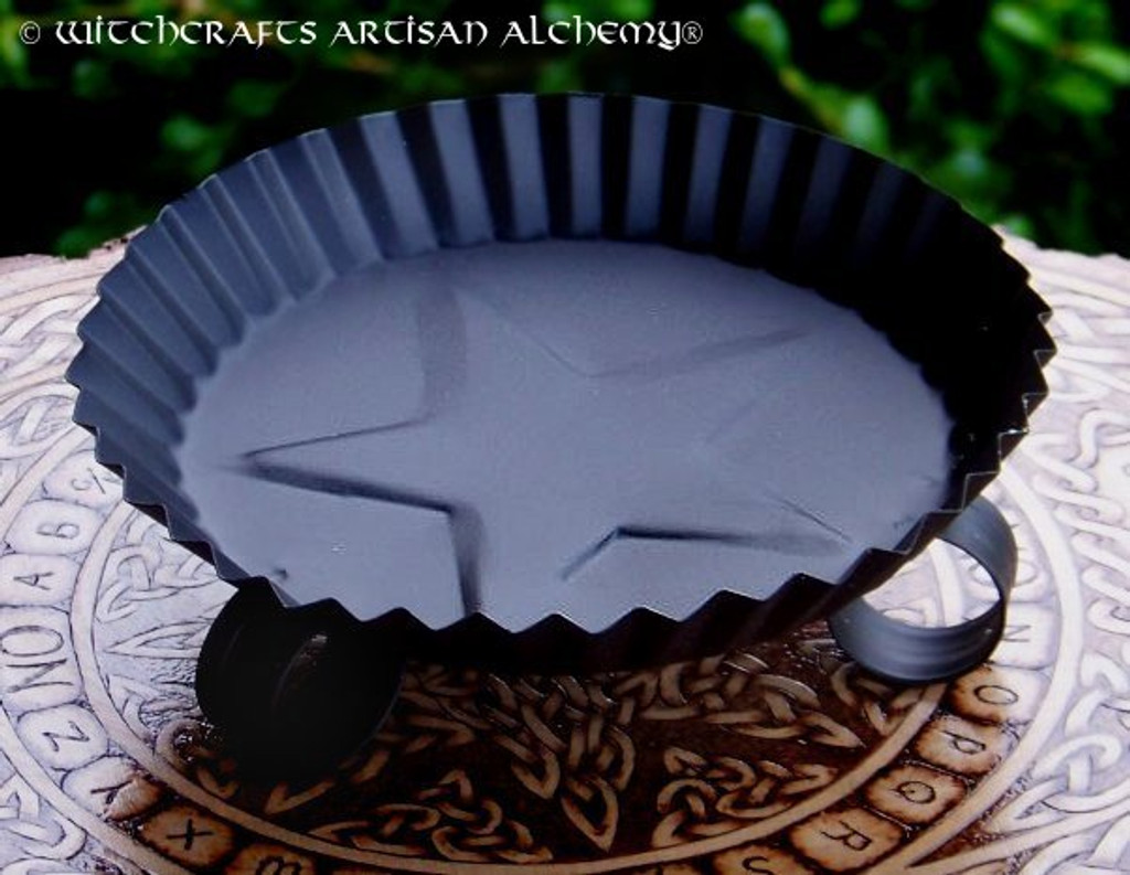 Round Black Metal Fluted Star Candle Pan
