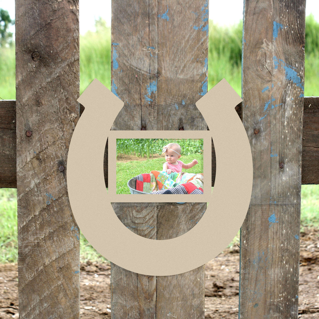 Funky Horseshoe Frame Frieze - Ideas de Marcos - lamegapromo.info