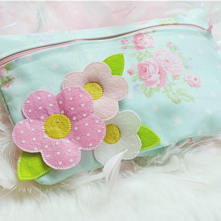 ITH 3D Flower Lined Zipper Pouch