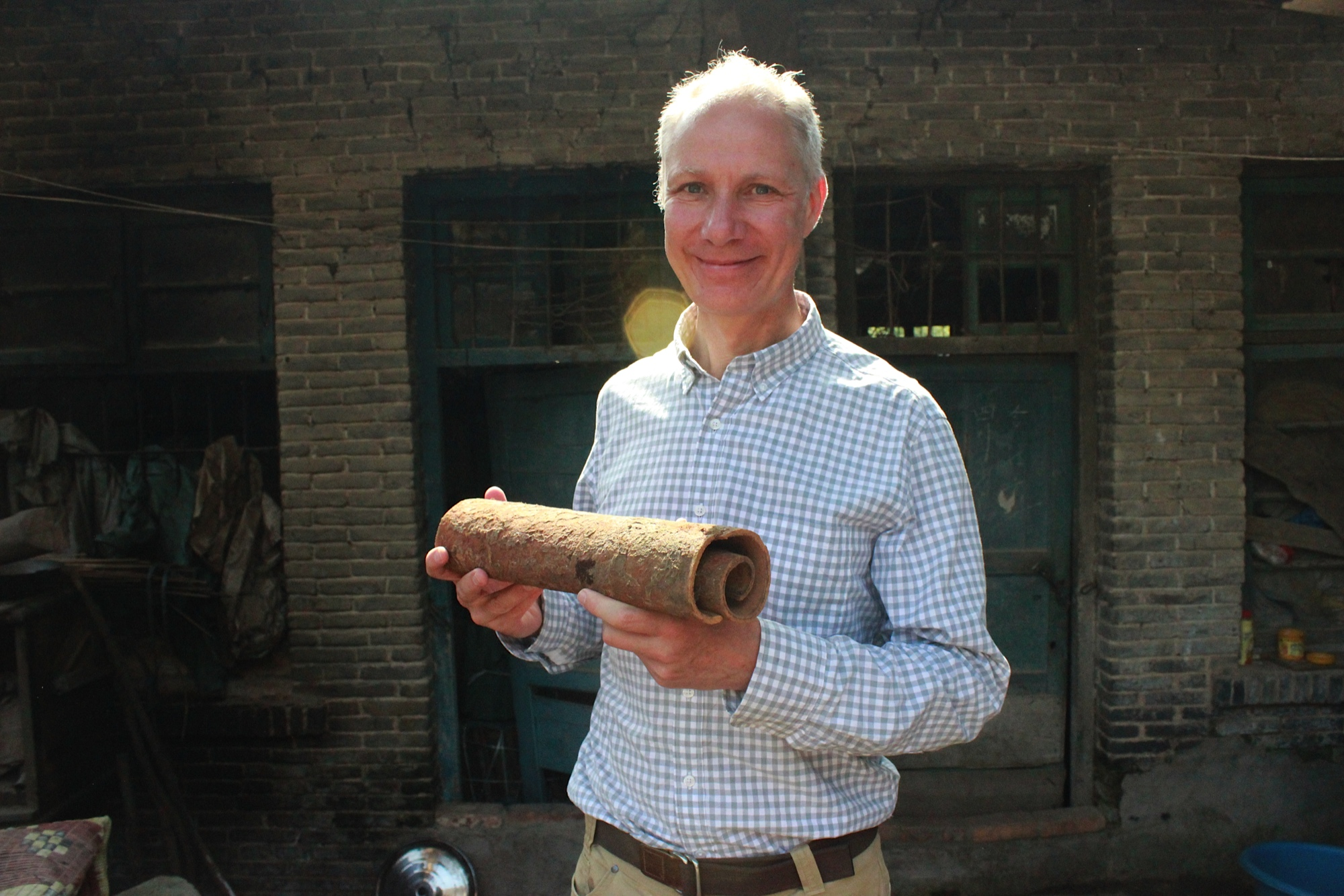 HEINER WITH SUN DRIED ROUGUI FROM A 25 YEAR OLD TREE IN YUNNAN PROVINCE