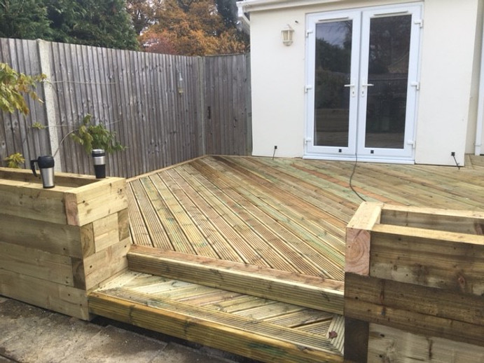 Why Build a Raised Bed With Railway Sleepers?