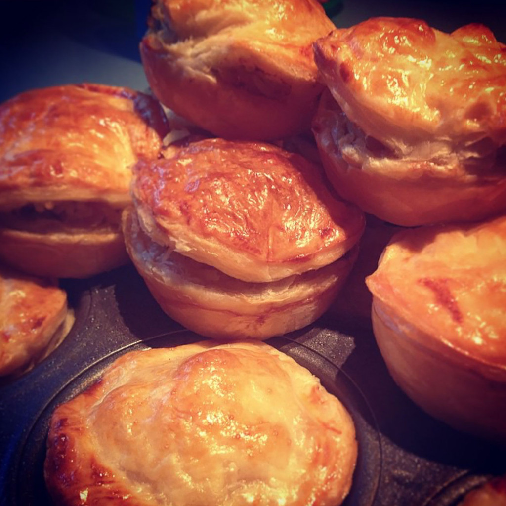 Life's Good Curry Pastes - Recipe - Coriander & Almond Chicken Pies