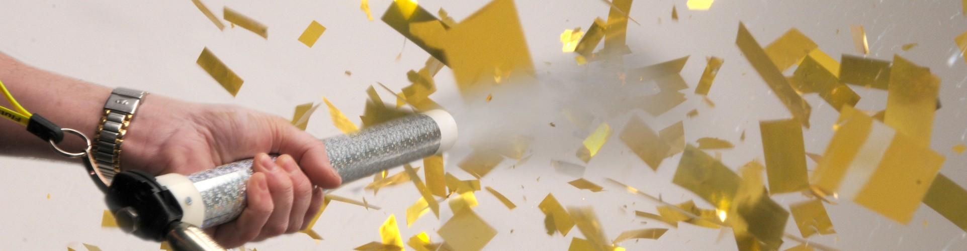 relkoadable confetti cannon shooting gold confetti