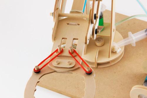 Wood Hydraulic Arm : Pathfinders hydraulic robotic arm