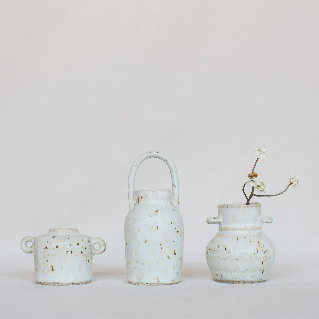 Sara Winkle : Miniature Artifact Vases