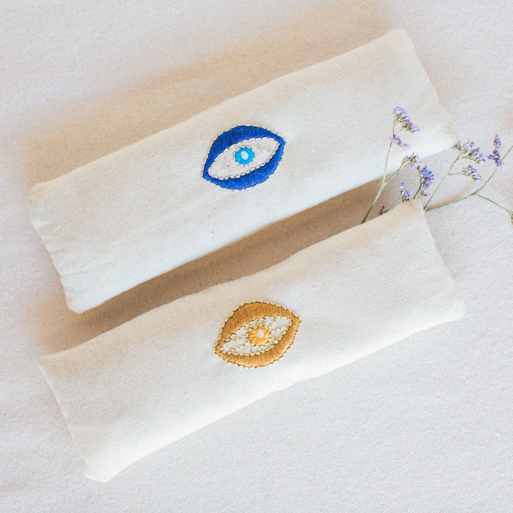 Eagle Eye : Raw Silk Eye Pillow