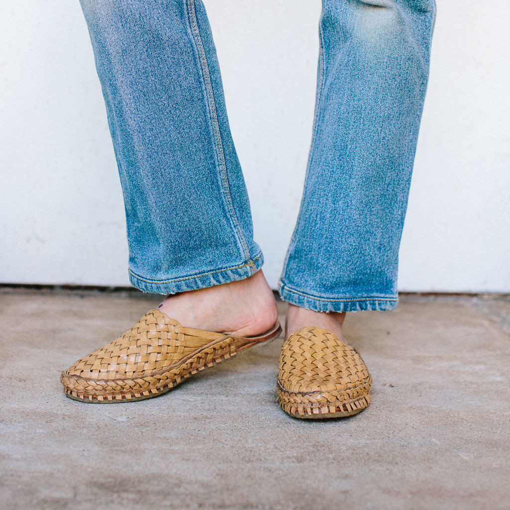 Mohinder : Woven Leather City Slipper