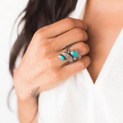 Navajo : Turquoise Double Feather Ring- size 5