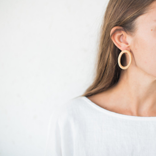 Sophie Monet : Minimal Ring Earrings