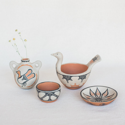Santo Domingo Pueblo : Vintage Mark Garcia Pottery