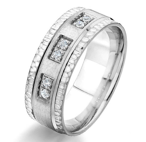 0.12 Ct Tw Diamond Wedding Band