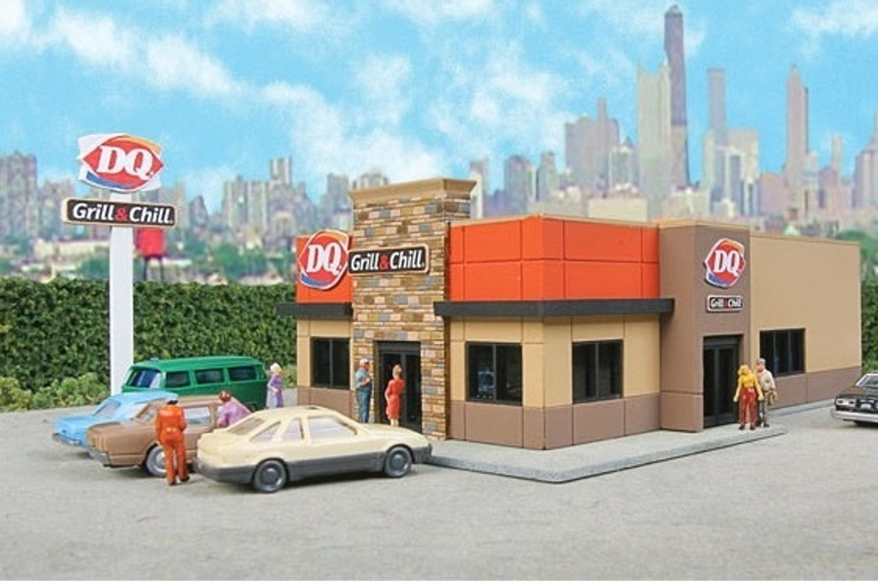 Walthers Cornerstone N Scale Building/Structure Kit DQ Grill & Chill