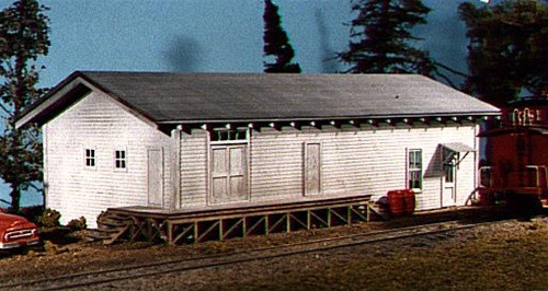 American Model Builders HO 701 Lineside Structures(R) Kit, General Service Building