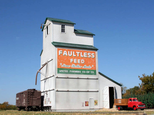 American Model Builders HO 193 The Country Grain Elevator Kit