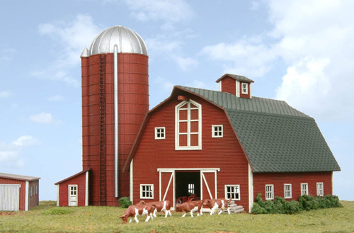 American Model Builders N 630 Country Barn with Silo Kit