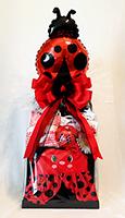 ladybug-baby-gift-box-ribbons-and-bows-gifts-800.jpg