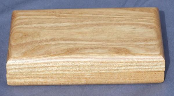 Clam Shell - Honey Locust