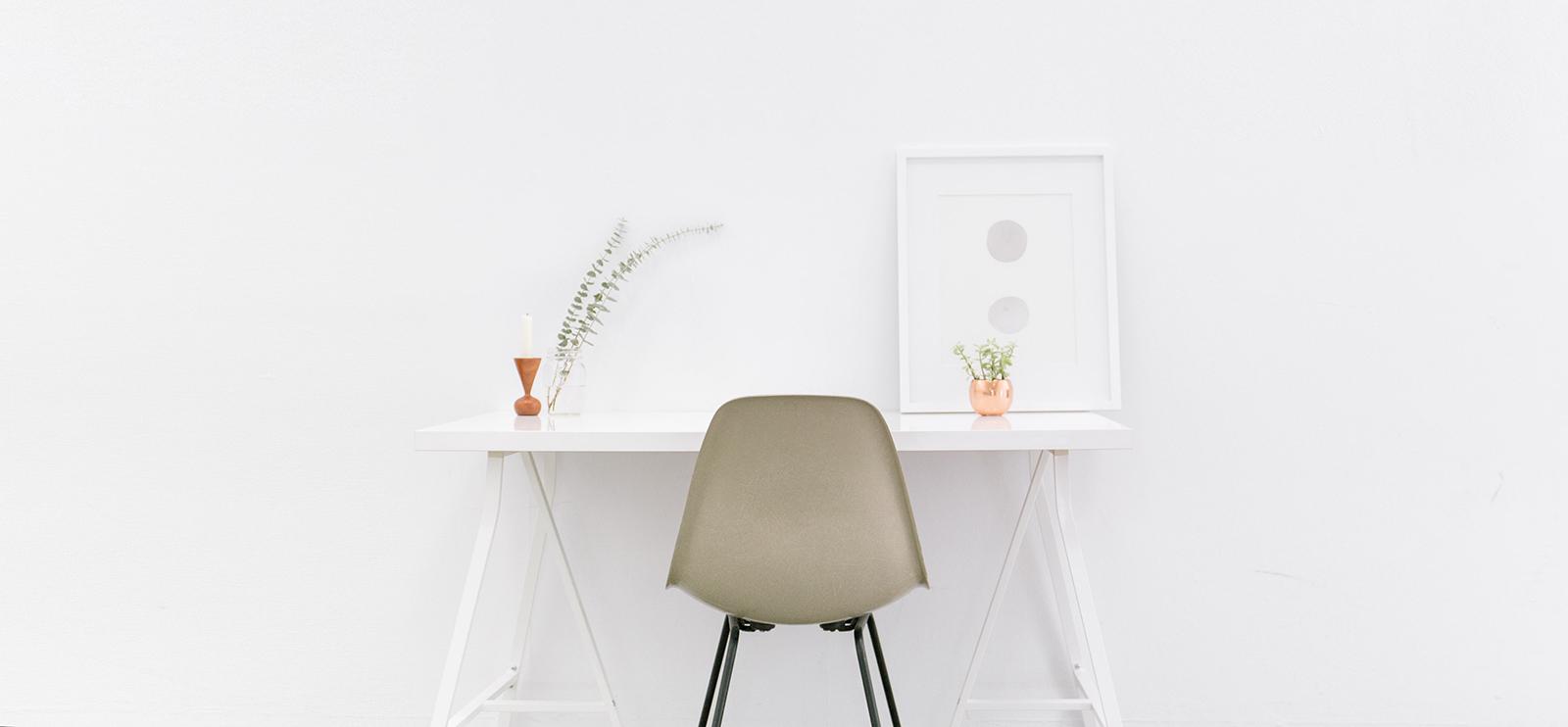 clean-minimal-library-desk.jpg