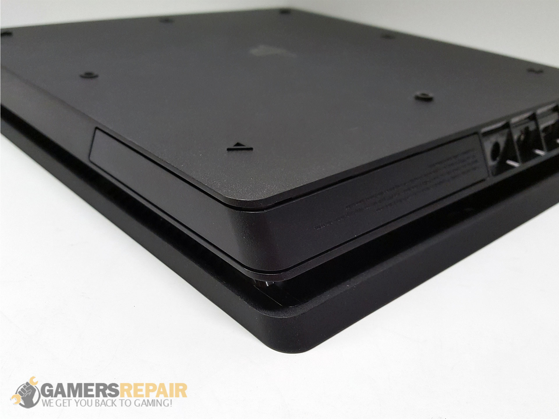 ps4-slim-hard-drive-door-installed-2.jpg