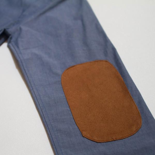 The Nicholas Button-Up - Blue elbow patch detail