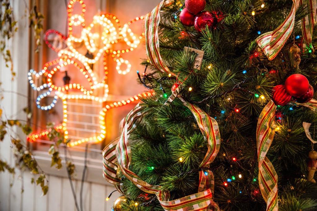 Create a Sensory Christmas Wonderland!