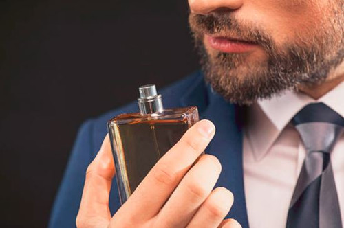 A masculine fragrance for a strong, sexy man.