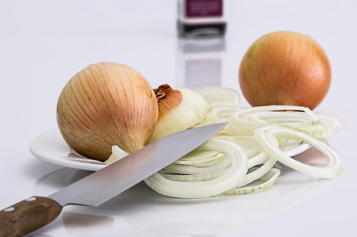 A powerful aroma with strong allium tones, can be used as white onions, leeks, spring onions or shallots.