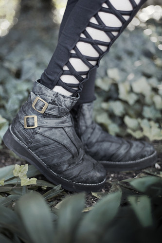 Women's Vajra Moto Lowcut Boots