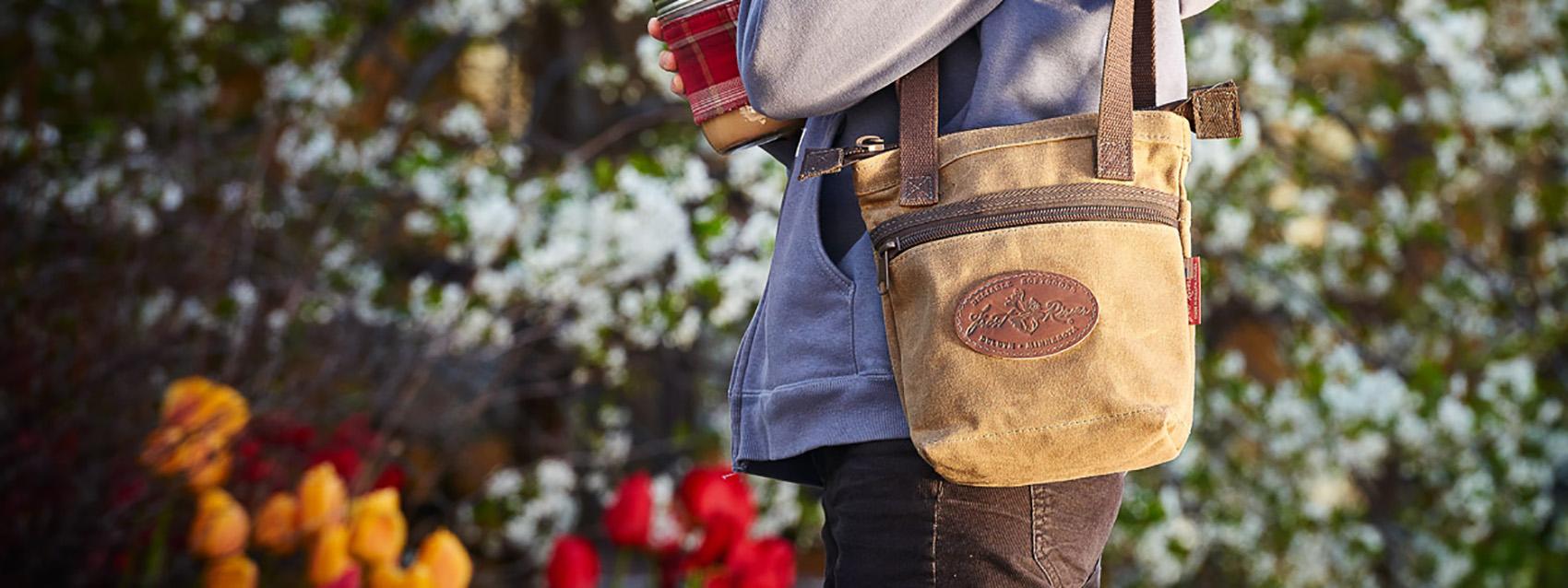 shoulder-bag-banner-150520-frost-river-355.jpg