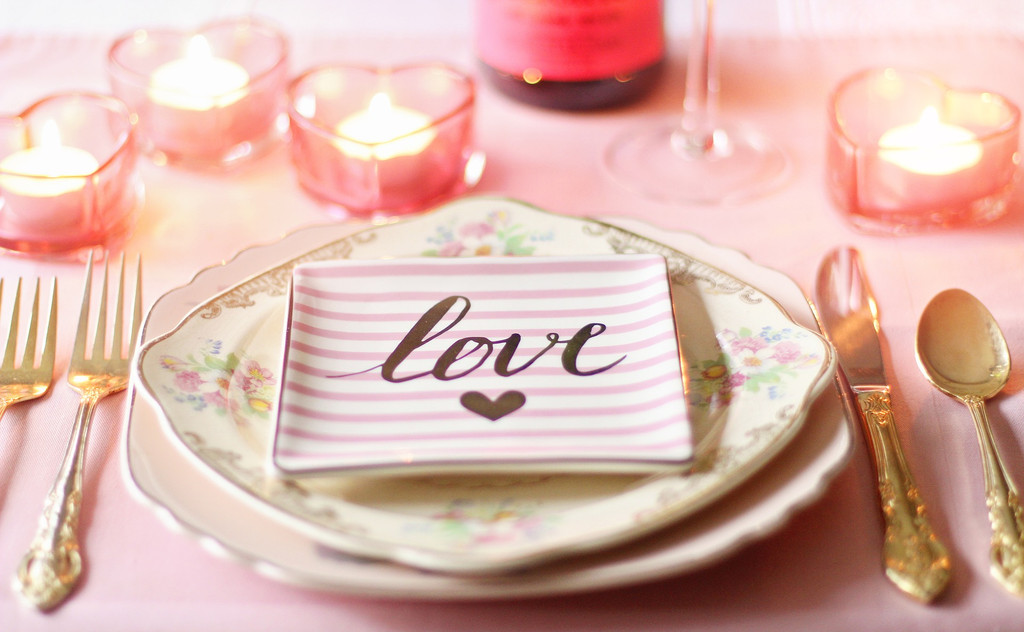 5 Wedding Candle Ideas - Favors, Table Centrepieces & More!