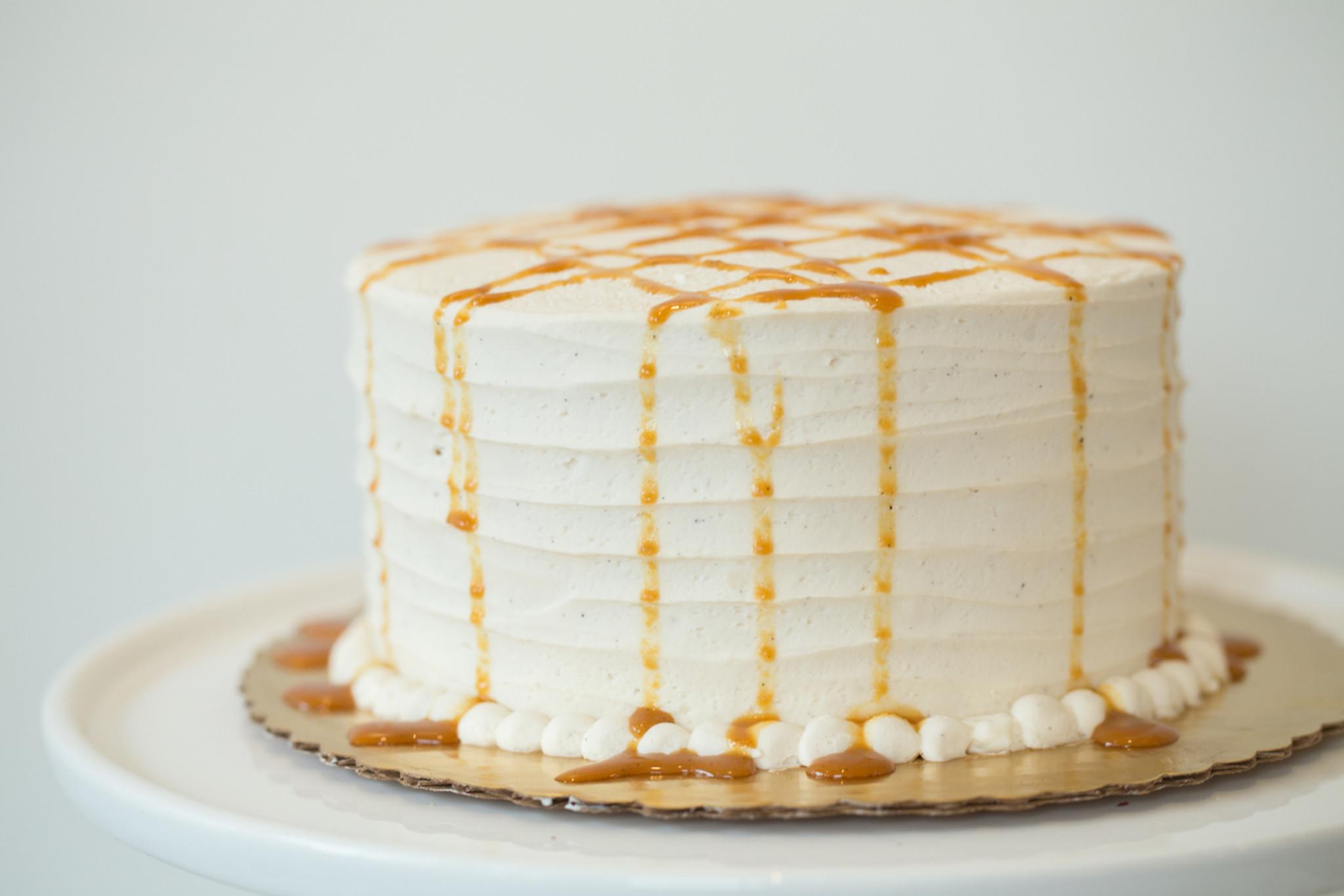 vanilla bean caramel ice cream cake fomu ice cream