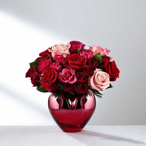 FTD's Hold Me In Your Heart Rose Bouquet